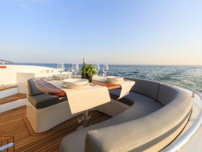 Vacances en voilier avec équipage en Grèce
