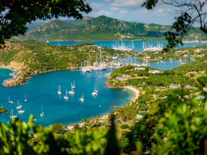 Sailing holidays in Antigua